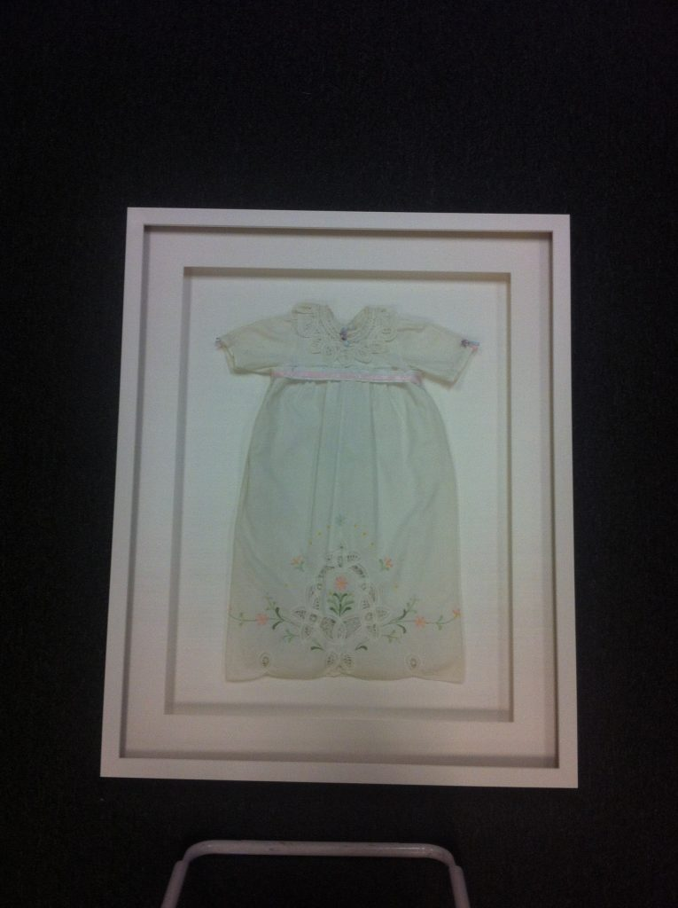 Baby gown frame